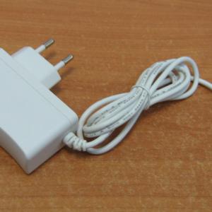 Адаптер сетевой 12В1А (белый)        :Источник питания домофона
