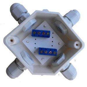 УС-4 (2х4)        :Устройство соединительное